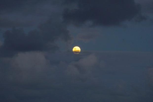 Full moon rising..